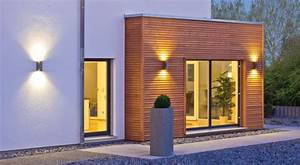 Erker Am Haus : eleganter steingarten mit beleuchtung vor erker aus holz ~ A.2002-acura-tl-radio.info Haus und Dekorationen