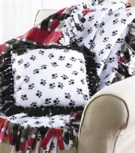 No Sew Fleece Blanket and Pillow