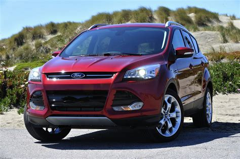 A ford escape sel hybrid, with the same powertrain, costs $30,200 with fwd and $31,700 with the new ford escape phev is available in se, sel, and titanium trims. Ford Escape, Mazda Tribute involved in mass US recalls ...