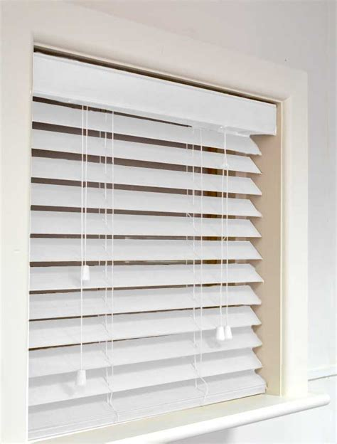 white wooden blinds 3 reasons to get white wooden venetian blinds blogbeen