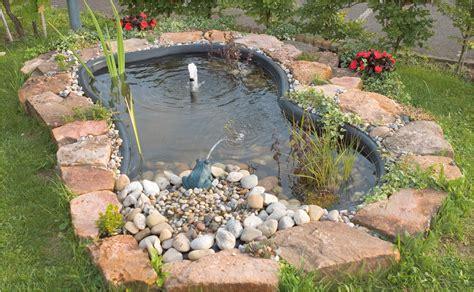 Miniteich Anlegen So Kommt Der Teich Auf Den Balkon by Kleiner Gartenteich Anlegen Bilder