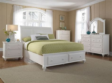 places to get bedroom sets broyhill hayden place california king storage sleigh bed