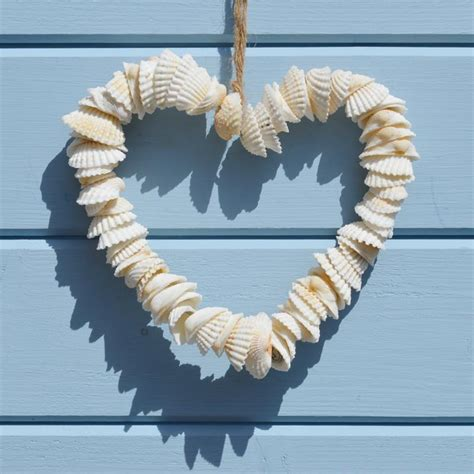 Beautiful Diy Shell Decor To Make This Summer  Page 2 Of 2. Cheap Room Decor. Christmas Exterior Decorations. Hotel Room Near Me. White Dining Room Chair