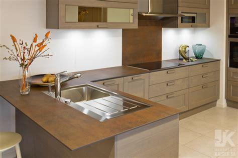 revetement cuisine plan de travail marbrerie kaiser sa plan de travail de cuisine en céramique