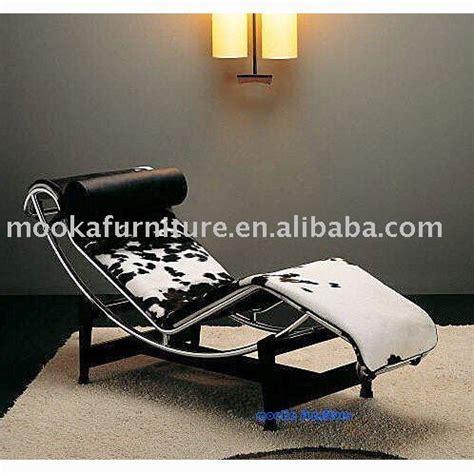 chaise longue le corbusier vache le corbusier lc4 chaise lounge cowhide buy le corbusier lc4 chaise lounge modern classic