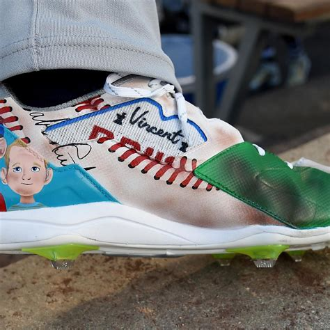 mlb mlbpa agree  loosen color restrictions  cleats