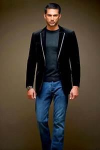 Business Casual Männer : dresscode business casual f r m nner jeans schwarzer blazer t shirt eleganter armbanduhr ~ Udekor.club Haus und Dekorationen