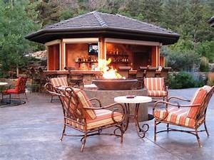 modern small outdoor kitchen bar design simple brilliant With outdoor kitchen and bar designs