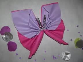 pliage de serviette en papier 2 couleurs papillon