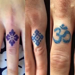 Finger Tattoo Symbole : finger symbols tattoos best tattoo ideas gallery ~ Frokenaadalensverden.com Haus und Dekorationen
