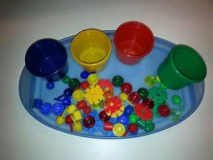 Spielzeug Für 4 Jährigen Jungen : eine einfache montessori bung f r unsere jungen kinder spielsachen aus dem gruppenraum nach ~ Buech-reservation.com Haus und Dekorationen
