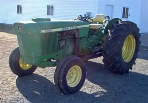 John Deere 2030 Orchard Tracto  2012-12-08