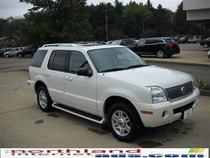 2003 Oxford White Mercury Mountaineer Premier Awd