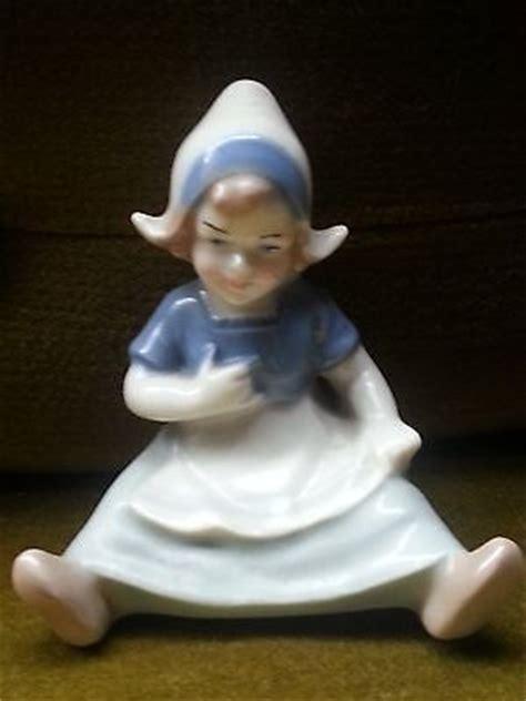 vintage porcelain dutch girl ornament figurine vintage