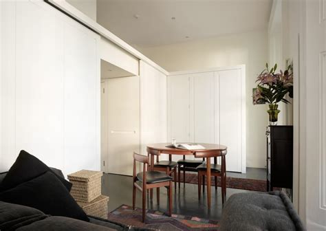 A Shape-shifting Studio Apartment In