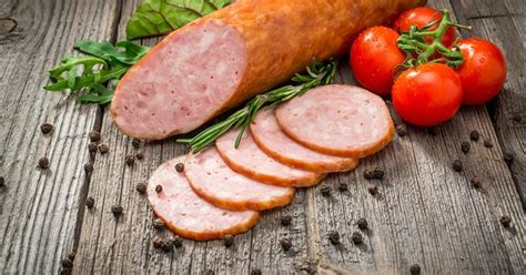 cuisiner une saucisse de morteau comment cuire une saucisse de morteau
