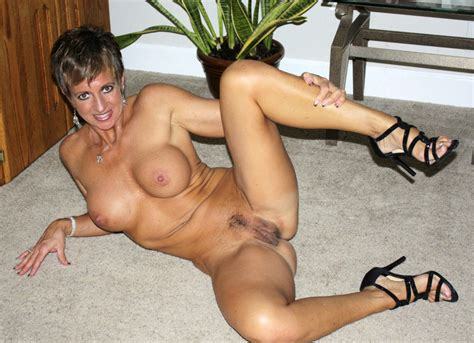 Aeovb In Gallery Hot Sexy Milf Showing Fit Body Picture Uploaded By Bockzy