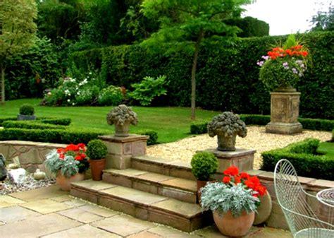 small garden design ideas  cool outdoor living