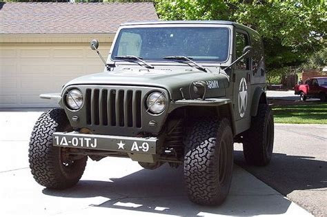 jeep wrangler military style im loveing the quot new vintage quot look to this 2001 tj jeep