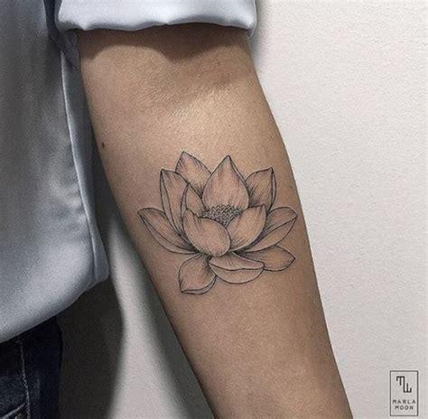 tatuaggi con fiori di loto meravigliosi tatuaggi coi fiori di loto foto e