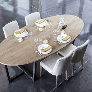 Table De Cuisine Ovale : 1000 id es sur le th me table ovale sur pinterest meubles de patio en osier tables ovales et ~ Teatrodelosmanantiales.com Idées de Décoration
