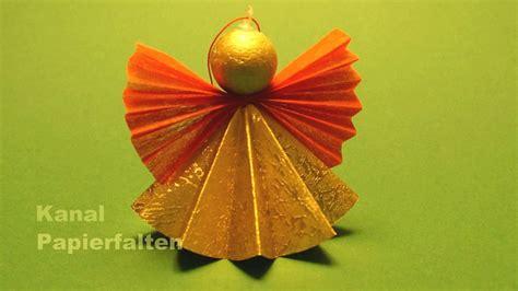 engel aus papier basteln weihnachtsengel basteln ein engel aus papier falten