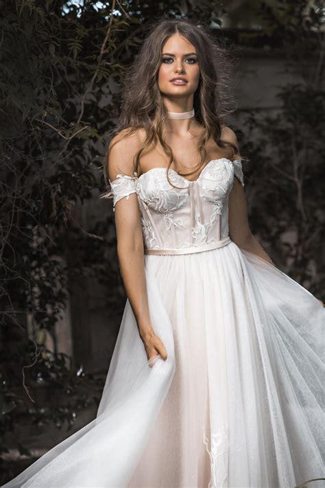 bespoke wedding gowns  gold coast brides gold coast
