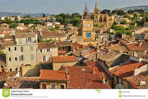 Seat Salon De Provence : francja bouche du rhone miasto salon de provence zdj cie stock editorial obraz 43556598 ~ Gottalentnigeria.com Avis de Voitures