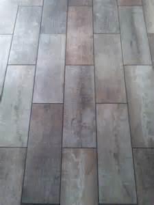Tile Looks Like Reclaimed Wood