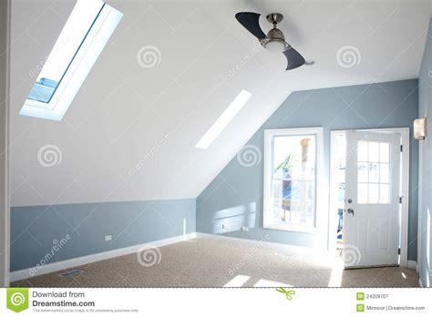 vide chambre chambre à coucher vide moderne avec la couleur bleue de