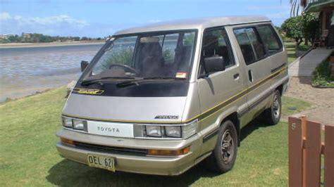 toyota tarago minivan people mover people