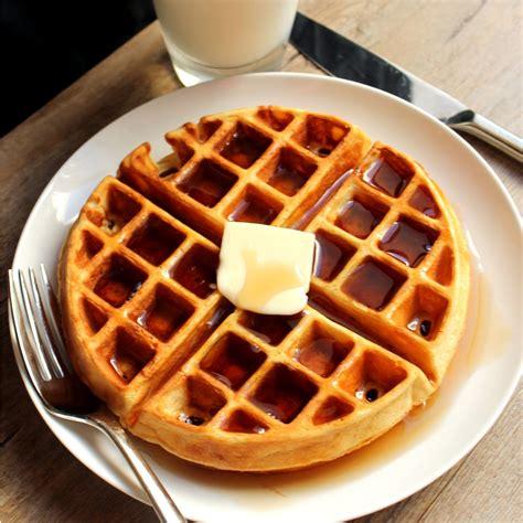 5 ideas para preparar waffles dulces o salados en 15
