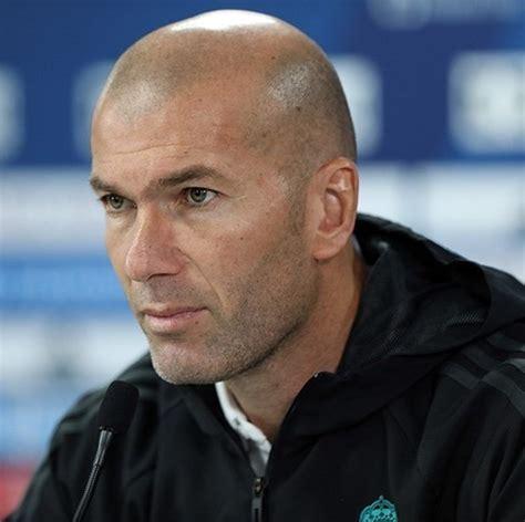 Последние твиты от zinedine zidane (@officialzzidane). Zinedine Zidane - Wikiwand