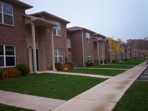 Apartments And Houses For Rent Jackson Mi by Canterbury House Apartments Jackson 241 Oak Grove