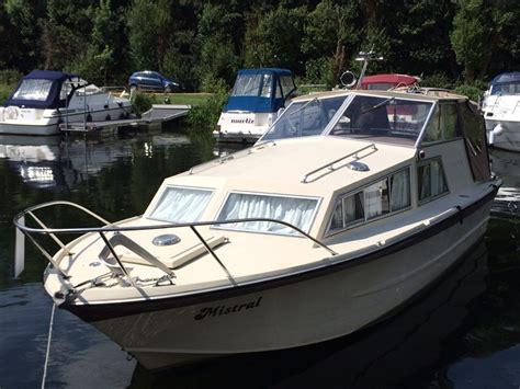 Freeman Boats Uk by Freeman 24 Boat For Sale Quot Mistral Quot At Jones Boatyard