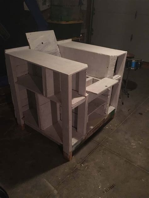 storage compartment pallet bookcase lincoln chair pallet