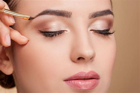 Créez votre propre montage photo maquillage sur pixiz.