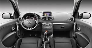 Renault Clio Serie Limitée Trend 2017 : la renault clio a 20 ans et s 39 offre une s rie limit e ~ Dode.kayakingforconservation.com Idées de Décoration