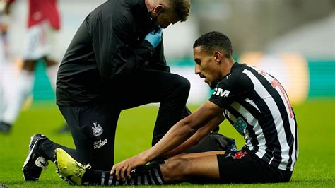 Steve Bruce takes massive risks with two injured Newcastle ...