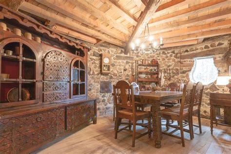 louer une chambre pour une nuit louer une maison de hobbit pour une nuit guide du parent