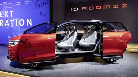 volkswagen unveils  id roomzz  auto shanghai