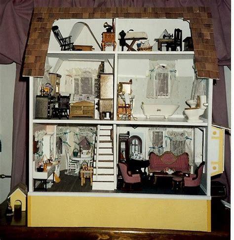 newberg nanas dollhouses  miniatures