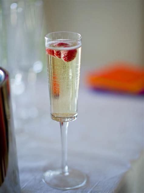 brunch idea set      mimosa bar hgtv