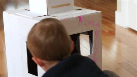 filmati fatti in casa ragazzo bambino da colorare un robot fatti in casa
