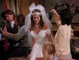 Here are all 90 outfits rachel green wore on the first for Friends wedding dress
