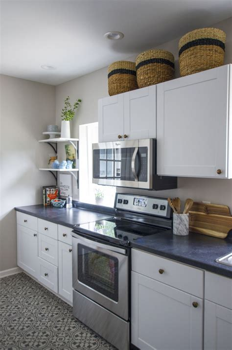 a stylish rental kitchen makeover on a tight budget