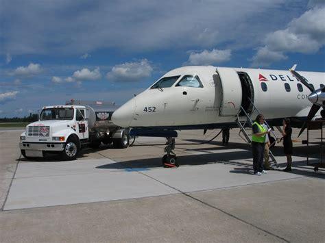 Panoramio - Photo of delta airplane on bemidji airport