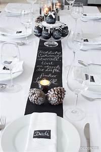 Tischdeko Blau Weiß : festtafel zu weihnachten tischdekoration mit tafelfarbe ~ Markanthonyermac.com Haus und Dekorationen