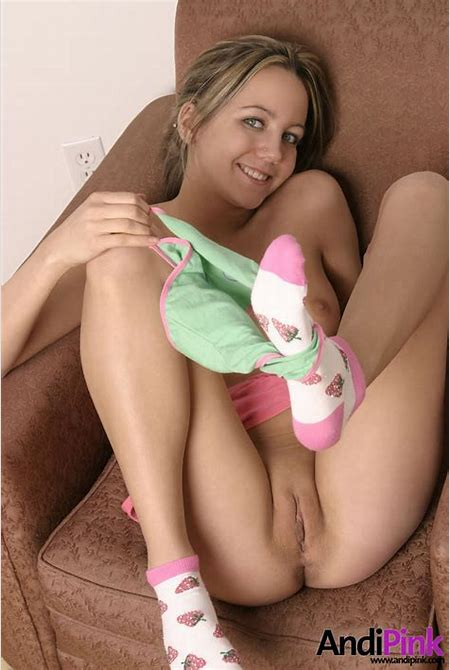 teen pussy/llll.jpg in gallery SWEET NAKED TEENS nice assortment of cute teen pussy (Picture 48 ...