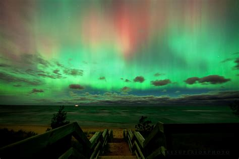 northern lights in michigan 5 tips to see the northern lights travel marquette